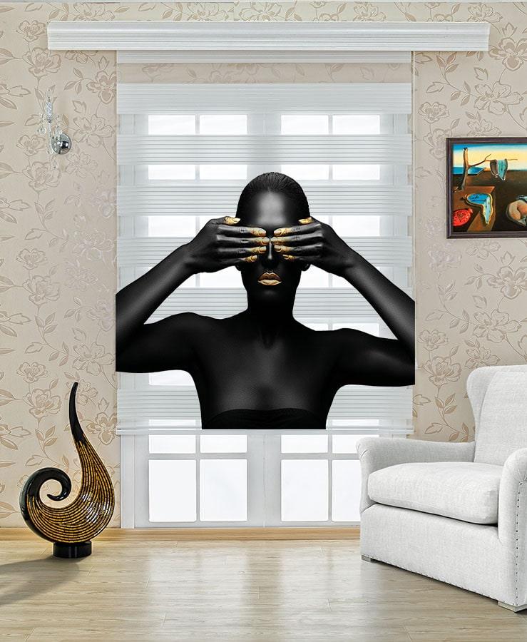 Gözünü Kapatan Siyahi Kadın Genç Odası Stor Zebra Perde