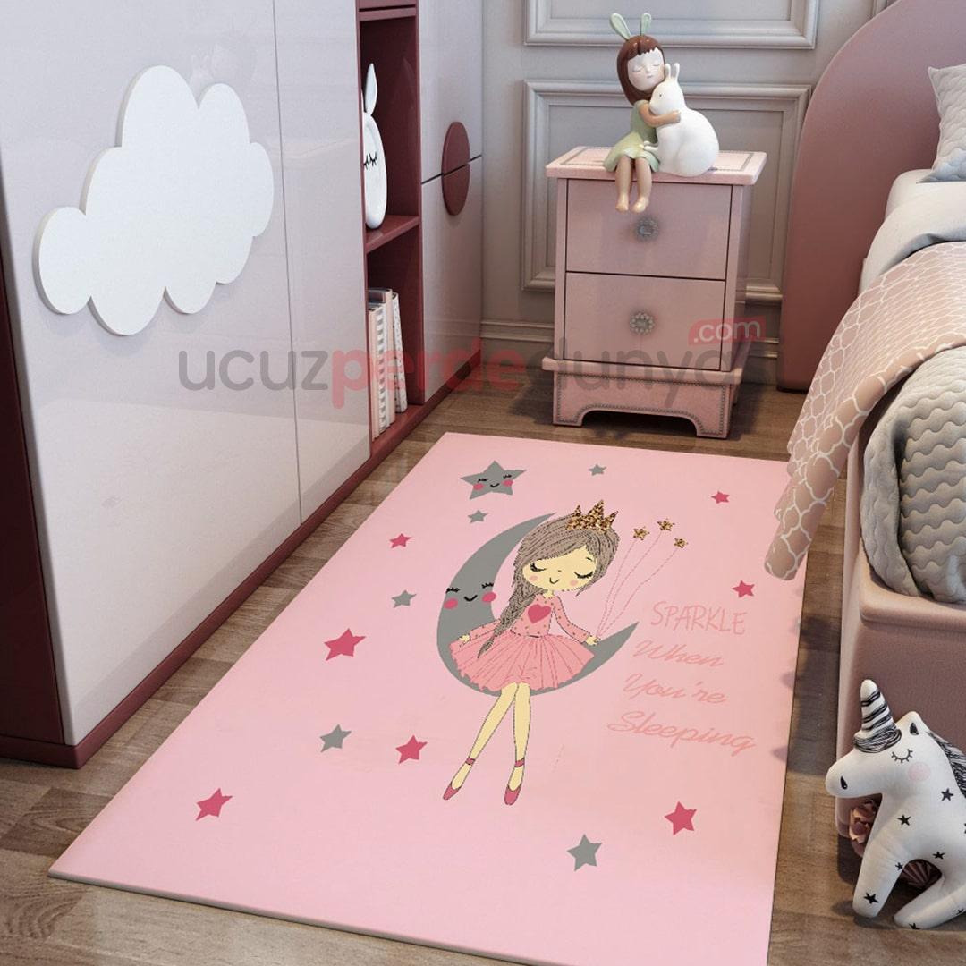 Pembe Ay Kız Çocuk Odası Halı