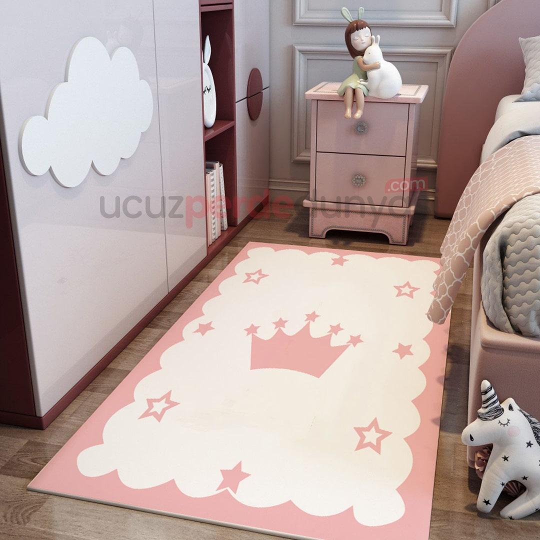 Pembe Taç Bebek Odası Halı