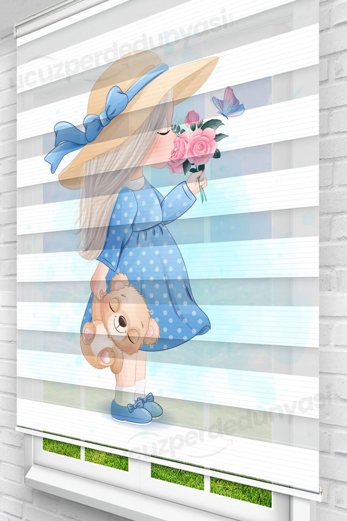 Çiçek Koklayan Kız Çocuk Odası Zebra Perde