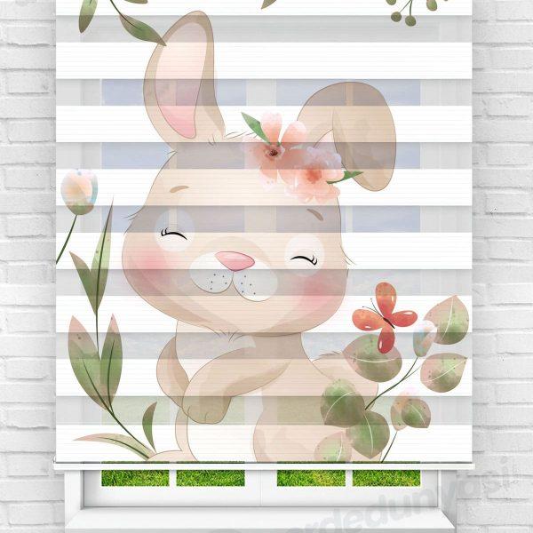 Çiçekler Arasındaki Tavşan Çocuk Odası Zebra Perde